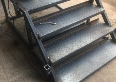 STEPS WELDED IN FRAME